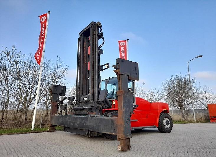 Xe nâng gắp cotainer rỗng 3 - 4 tầng hàng 2