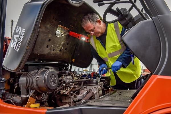 Sửa xe nâng dầu diesel dễ dàng